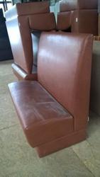 Диван рыжий светло-коричневый б/у для офиса дома кафе ресторана кафе к